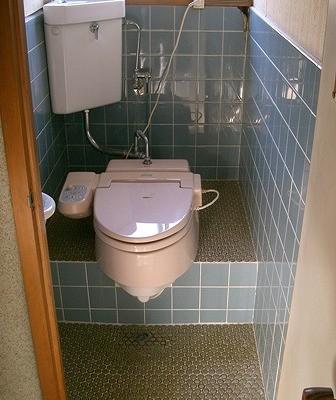 トイレ-改修前2